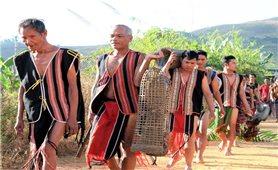Trang phục của người Brâu- dân tộc rất ít người ở Việt Nam