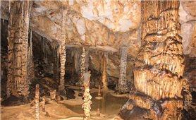 Hà Giang: Phát hiện hang động mới đẹp như tòa lâu đài cổ