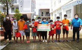 Cần Thơ: Trao 850 phần quà cho trẻ em có hoàn cảnh khó khăn, trẻ em DTTS nhân dịp Tết Trung thu