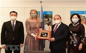 Chủ tịch nước Nguyễn Xuân Phúc gặp gỡ lãnh đạo các nước
