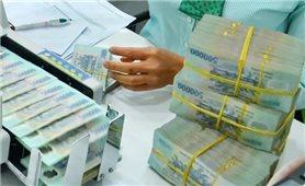 Tiền gửi của người dân vào ngân hàng thấp nhất gần 10 năm, vì sao?