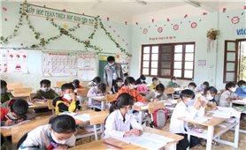 Tiếp nhận, tạo điều kiện học tập cho học sinh di chuyển về cư trú tại địa phương