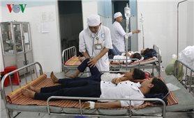 Thêm 33 học sinh uống sữa từ người lạ đưa phải nhập viện