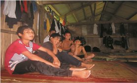 Xóa bỏ hệ thống Trường Dân tộc nội trú THPT: Thầy và trò đều gặp khó