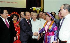 Thủ tướng Nguyễn Xuân Phúc: Chính phủ luôn lắng nghe ý kiến của MTTQ Việt Nam