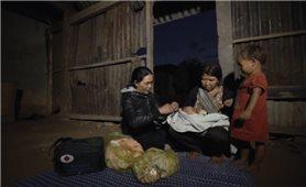 Phát huy vai trò cô đỡ thôn bản: Khuyến khích là chưa đủ