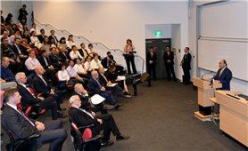 Thủ tướng nói chuyện với giảng viên, sinh viên Đại học Quốc gia Australia