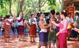 Người Lào đón Tết Bunpimay trên đất Tây Nguyên