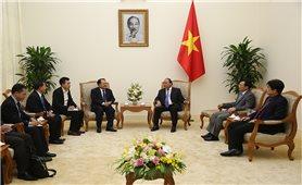 Thủ tướng Nguyễn Xuân Phúc tiếp Bộ trưởng Năng lượng và Mỏ Lào