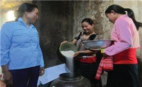 """""""Thùng gạo tiết kiệm"""": Việc làm nhỏ, ý nghĩa lớn"""