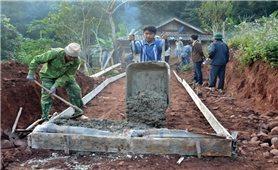 """Xây dựng nông thôn mới ở Điện Biên: """"Người leo núi vác tảng đá nặng"""""""