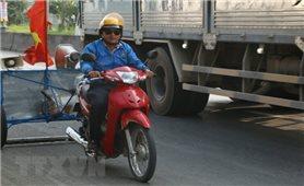 Cán bộ truyền thanh xã sáng chế xe hút đinh để hạn chế tai nạn giao thông