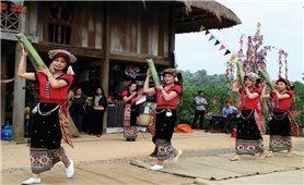 Thổ cẩm của đồng bào Thái ở Quỳ Hợp: Chưa tìm được đầu ra ổn định