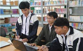 Học sinh trường huyện sáng chế phần mềm từ điển Việt-M'nông