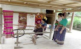 Nghề dệt thổ cẩm truyền thống của người Thái xứ Thanh