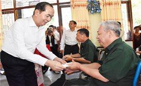 Chủ tịch nước Trần Đại Quang thăm, tặng quà thương, bệnh binh