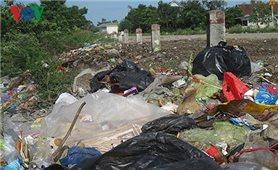 Người dân lo lắng dịch bệnh bùng phát từ nguồn rác thải ứ đọng