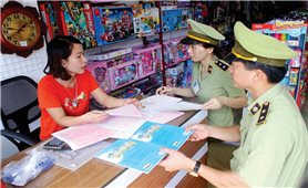 Nghệ An: Trôi nổi thị trường sách đầu năm học mới