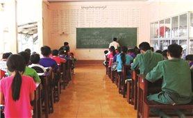Lớp học chữ Khmer ở vùng biên giới