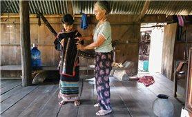 Nguy cơ mai một nghề dệt thổ cẩm của dân tộc M'nông
