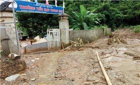 Thanh Hóa chuẩn bị khai giảng: Nhiều trường vẫn chìm trong bùn lũ