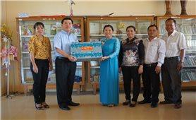 Ủy ban Dân tộc: Thăm tặng quà Trường Phổ thông dân tộc nội trú Vĩnh Long