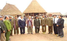 Già làng, trưởng bản tham gia bảo vệ an ninh Tổ quốc
