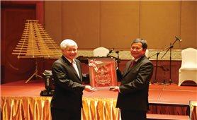 Bộ trưởng, Chủ nhiệm UBDT Đỗ Văn Chiến tiếp Đoàn cấp cao Ủy ban Trung ương Mặt trận Lào xây dựng đất nước