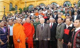 Tổng Bí thư, Chủ tịch nước gặp mặt đoàn đại biểu Người có uy tín tiêu biểu