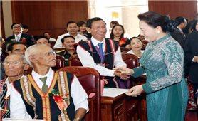 Chủ tịch Quốc hội dự hội nghị 10 năm thực hiện quyết tâm thư của Già làng