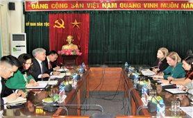 Bộ trưởng, Chủ nhiệm Đỗ Văn Chiến làm việc với Đại sứ Ai Len tại Việt Nam