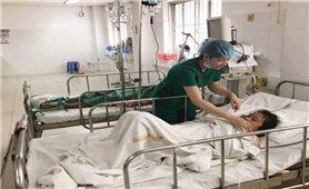 Bệnh nhân nghèo người Campuchia được thầy thuốc Việt Nam cứu sống