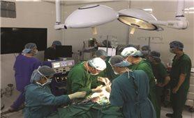 Nhiều người nhập viện vì chữa bệnh bằng cắt lể