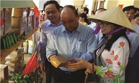 Thủ tướng đối thoại tháo gỡ khó khăn cho nông dân