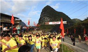 Khai mạc giải bán Marathon chinh phục Vách đá thần Mã Pì Lèng năm 2020