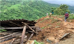 Bát Xát (Lào Cai): Hai người chết vì sạt lở đất