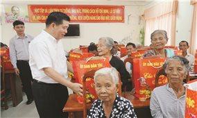 Thứ trưởng, Phó Chủ nhiệm UBDT Lê Sơn Hải chúc Tết đồng bào DTTS tỉnh Cà Mau