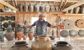 Chàng trai Ba Na bảo tồn văn hóa bằng homestay