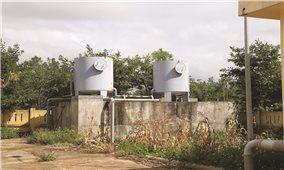 """Dân """"khát"""" bên những công trình nước sạch"""