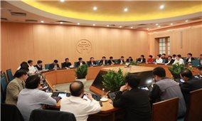 Phát hiện người dương tính với COVID-19, Hà Nội họp khẩn
