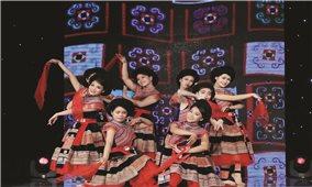 Đạo diễn Lê Việt: Đưa múa dân gian dân tộc đến gần hơn với giới trẻ