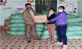 Ủy ban Dân tộc: Trao quà hỗ trợ đồng bào DTTS nghèo bị ảnh hưởng dịch Covid -19