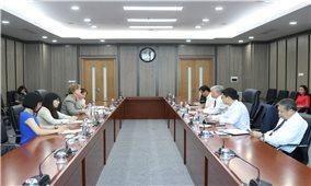 Bộ trưởng Đỗ Văn Chiến tiếp xã giao bà Rana Flower, Trưởng đại diện mới của UNICEF tại Việt Nam