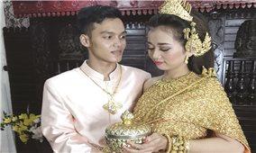 Rực rỡ trang phục lễ cưới của người Khmer