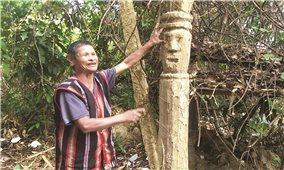 Người tạc tượng gỗ duy nhất ở làng Le