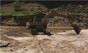 Xử lý khai thác cát trái phép ở Ninh Hòa (Khánh Hòa): Lại đổ lỗi do... khách quan!