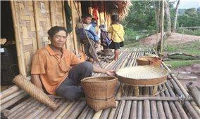 Nghề đan lát truyền thống của Người Ma Coong: Cần giữ gìn và phát triển