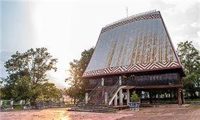 Nhà rông văn hóa huyện Sa Thầy: Nơi lưu giữ nhiều hiện vật văn hóa, lịch sử quý báu