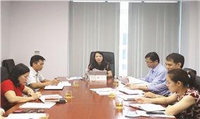 Thứ trưởng, Phó Chủ nhiệm Hoàng Thị Hạnh làm việc với Vụ Dân tộc thiểu số