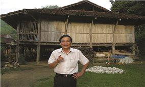 """Dương Thuấn - """"lão nông miệt mài trên cánh đồng thơ ca"""""""